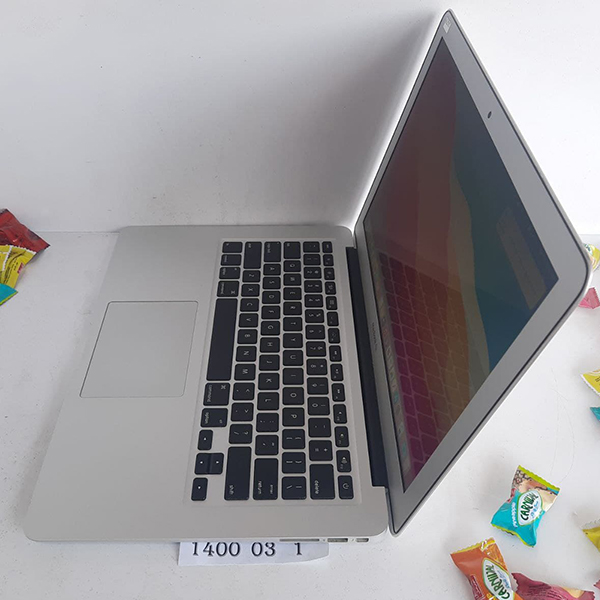 خریدار لپ تاپ کارکرده اپل مدل MacBook Air 2013